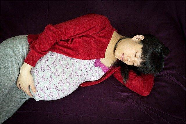 L'hypnose grossesse, en séance entraine la détente profonde